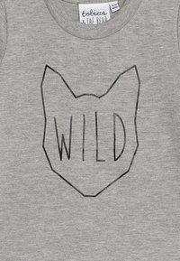 Tobias & The Bear - BABY WILD TEE - Print T-shirt - grey marl - 3
