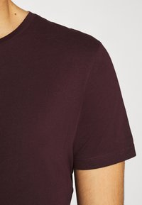 Burton Menswear London - SHORT SLEEVE CREW 7 PACK  - T-shirt basic - black/white/charcoal/navy/burgundy/dusty olive - 8