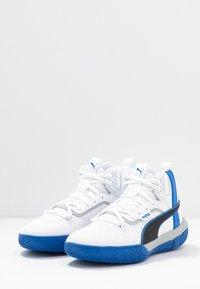 Puma - LEGACY MADNESS - Basketball shoes - white/peacoat - 2