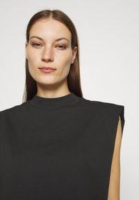 Selected Femme - SLFLEANNE PADDED TEE - Print T-shirt - black - 3
