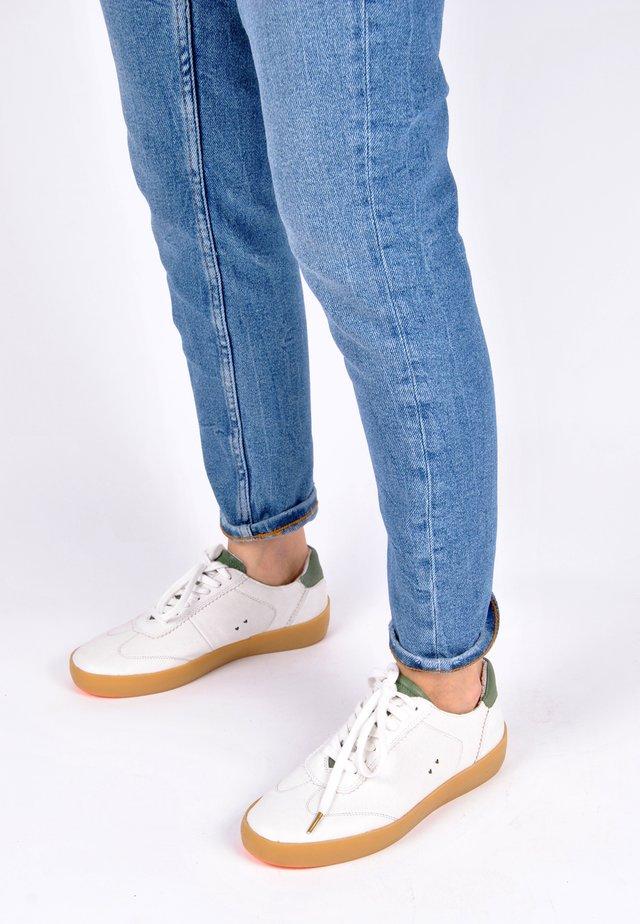 SNEAKER AMELIE - Sneakers laag - weiß grün