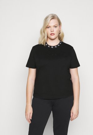 PLUS LOGO TRIM TEE - Print T-shirt - black