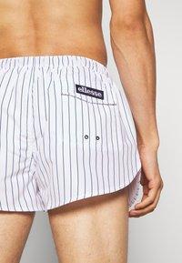 Ellesse - RUGOLO - Shorts da mare - white/navy - 1