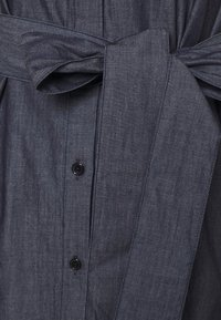 HUGO - ELITH - Denim dress - open blue - 7