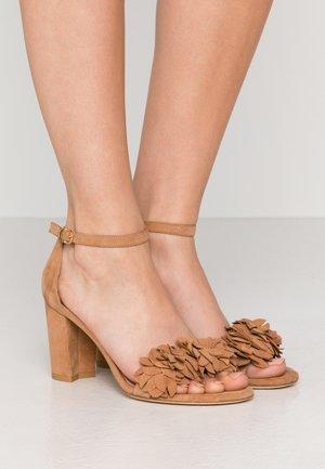 FLOWER - High heeled sandals - tan
