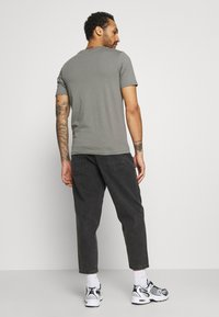 Only & Sons - ONSCONE LIFE CARROT - Jeans Tapered Fit - black denim - 2