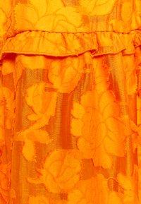 Selected Femme - SLFSADIE VNECK  - Day dress - dark cheddar - 2