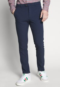 Jack & Jones - JJIMARCO JJCONNOR SOLI - Pantalones - navy blazer - 0