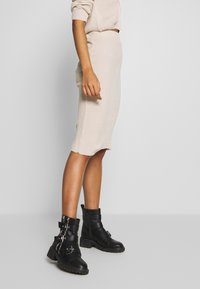 Missguided - CROPPED AND RIBBED KNITTED MIDAXI SKIRT - Cardigan - camel - 3
