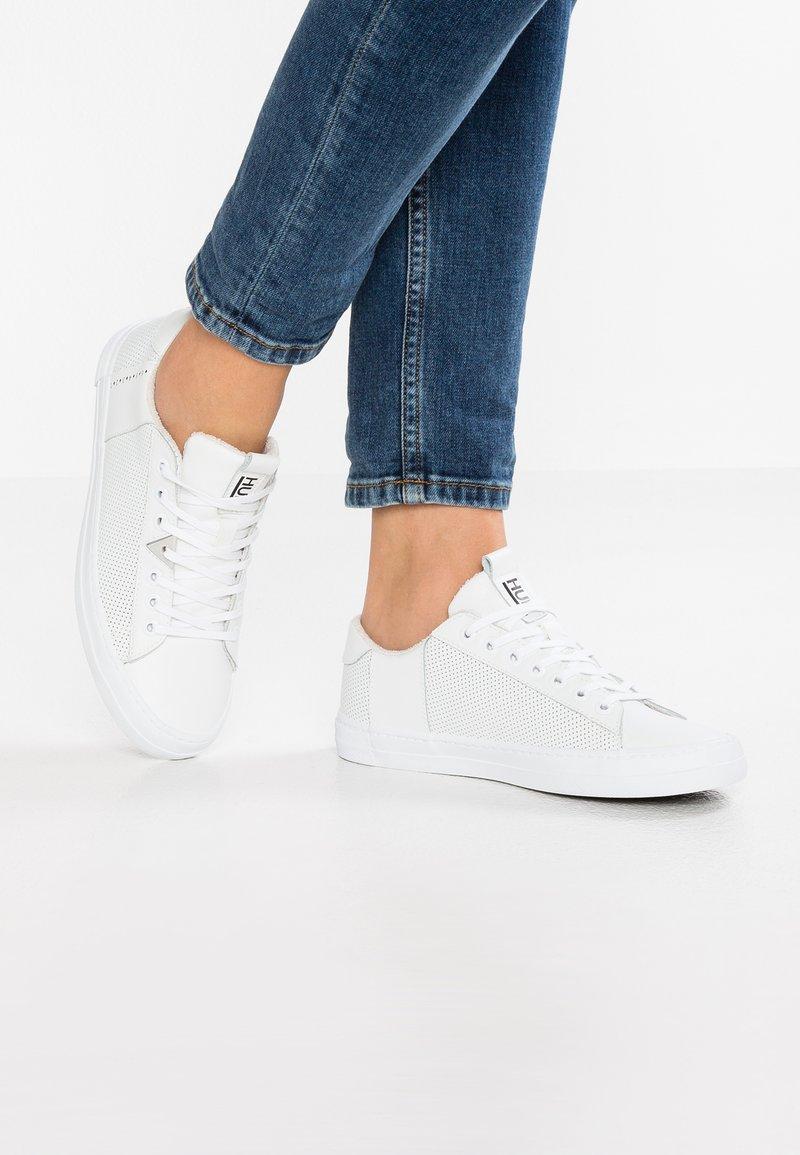 HUB - HOOK - Sneakers laag - white