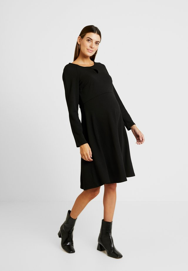 KEYHOLE SEAM FIT AND FLARE DRESS - Vestito di maglina - black