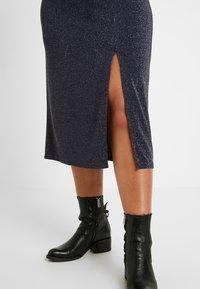 New Look Curves - METALLIC YARN DRESS - Jersey dress - silver - 6