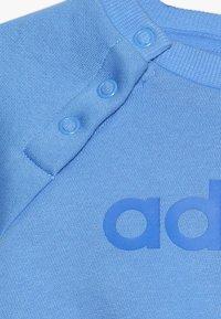 adidas Performance - ESSENTIALS LINEAR TRACKSUIT BABY SET - Tracksuit - real blue/medium grey heather/blue - 3