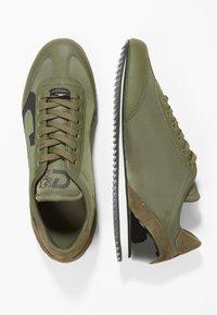 Cruyff - ULTRA - Sneakersy niskie - olive - 1