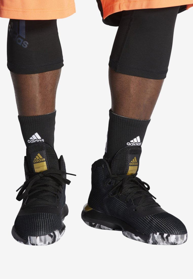 adidas Performance - PRO BOUNCE 2019 SHOES - Basketball shoes - black