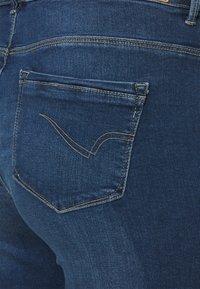 ONLY Carmakoma - CARLAOLA LIFE - Denim shorts - medium blue denim - 4