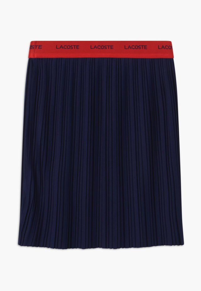 Pliceret nederdel /Nederdele med folder - marine/rouge