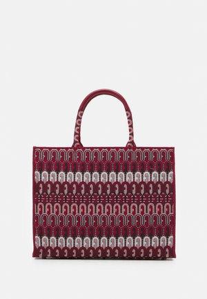 OPPORTUNITY TOTE - Shoppingveske - toni ciliegia