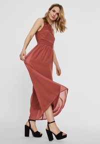 Vero Moda - VMVANESSA DRESS ANCLE - Suknia balowa - marsala - 1