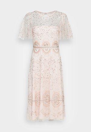 BEADED FLUTTER DRESS - Juhlamekko - pale pink