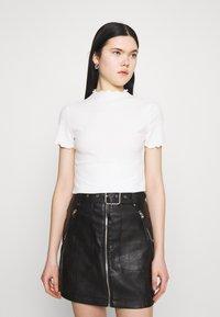 ONLY - ONLEMMA HIGHNECK - T-shirts - egret - 0