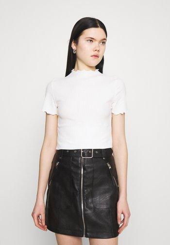 ONLEMMA HIGHNECK - Basic T-shirt - egret