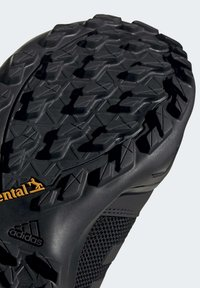 adidas Performance - TERREX AX3 HIKING SHOES - Hikingsko - black - 7