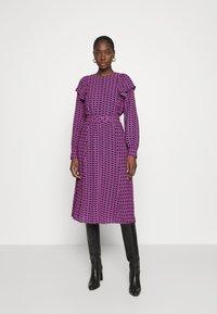 Cras - BETTYCRAS DRESS - Denní šaty - pink/black - 1