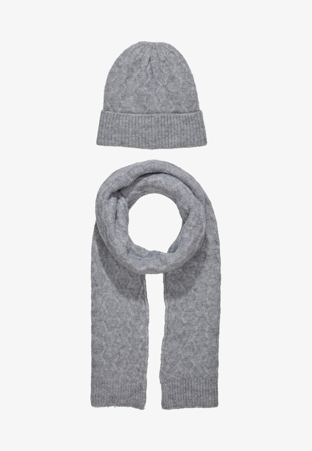 SET - Scarf -  grey