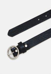 ONLY - ONLLAURA SNAKE BELT - Belt - black - 1
