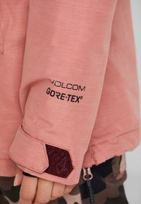 Volcom - FERN INS GORE - Snowboard jacket - mauve - 7