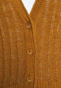 J.CREW - POINT SUR TEXTURED VNECK CARDIGAN - Cardigan - golden brandy - 6