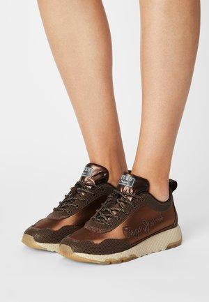 KOKO MIKA - Sneakers laag - dark mocca