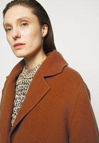 Proenza Schouler White Label - DOUBLEFACE COAT WITH SIDE SLITS - Zimní kabát - chestnut - 3