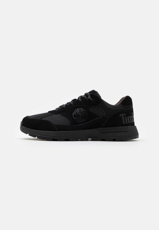 FIELD TREKKER  - Sneakers laag - blackout