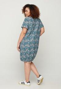 Zizzi - Day dress - paisley - 2