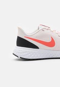 Nike Performance - REVOLUTION 5 - Zapatillas de running neutras - light soft pink/magic ember/black/white - 5