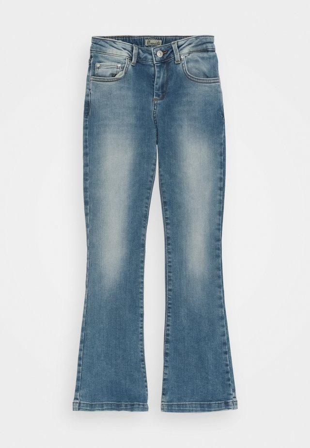 FALLON  - Flared Jeans - zinnia wash