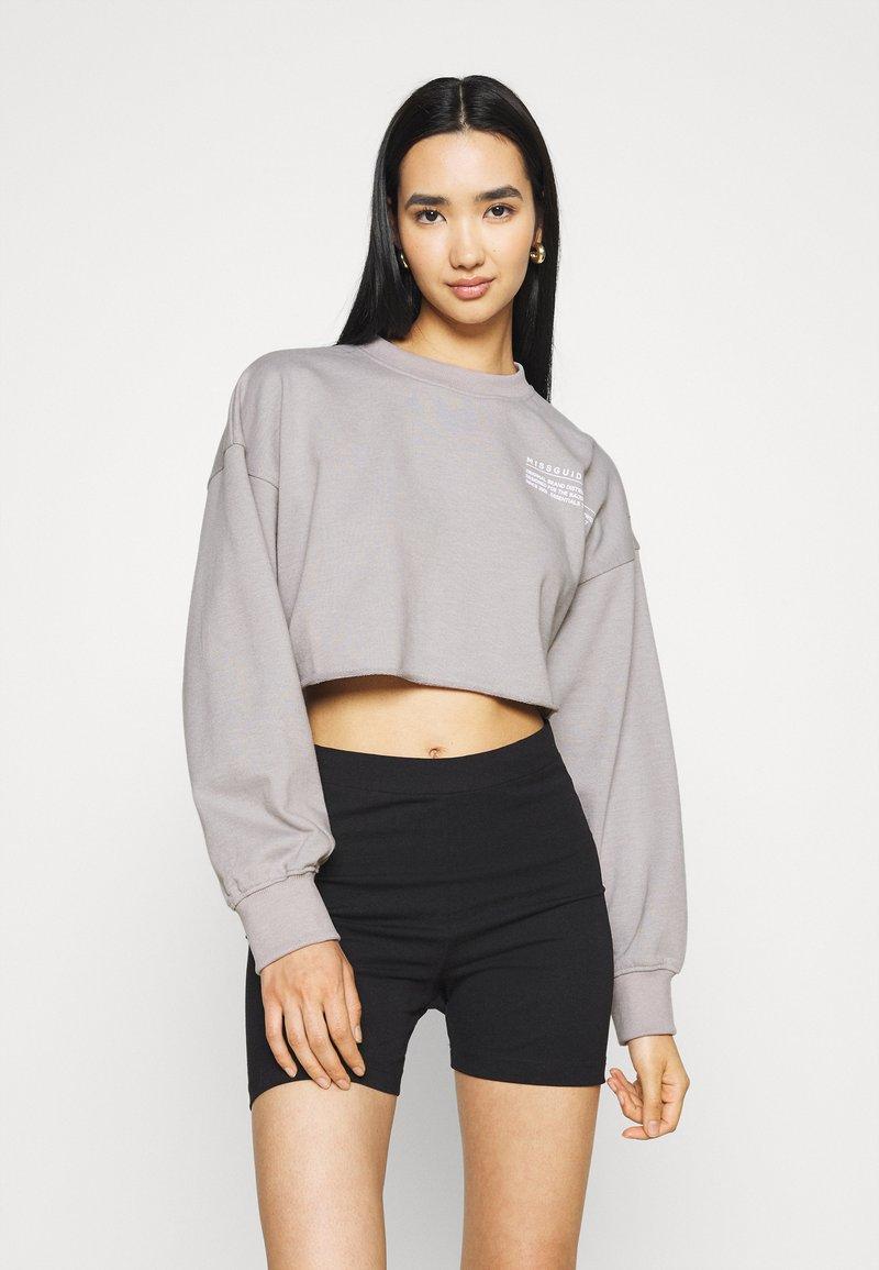 Missguided - CROPPED RAW HEM - Sweatshirt - light grey