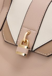 Dorothy Perkins - PADLOCK SHOPPER - Tote bag - blush - 3