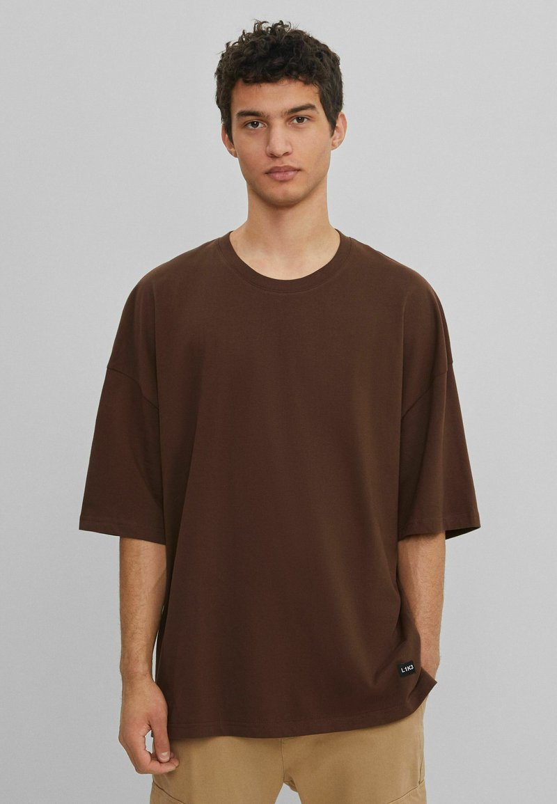 Bershka - Basic T-shirt - brown