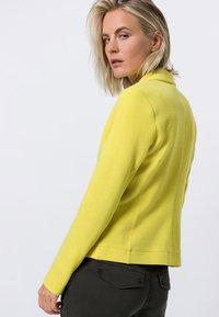 zero - Blazer - yellow lime - 2