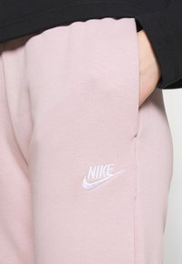 Nike Sportswear - PANT - Tracksuit bottoms - champagne/white - 3