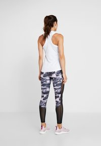 Superdry - CORE SPORT GRAPHIC - Débardeur - white - 2