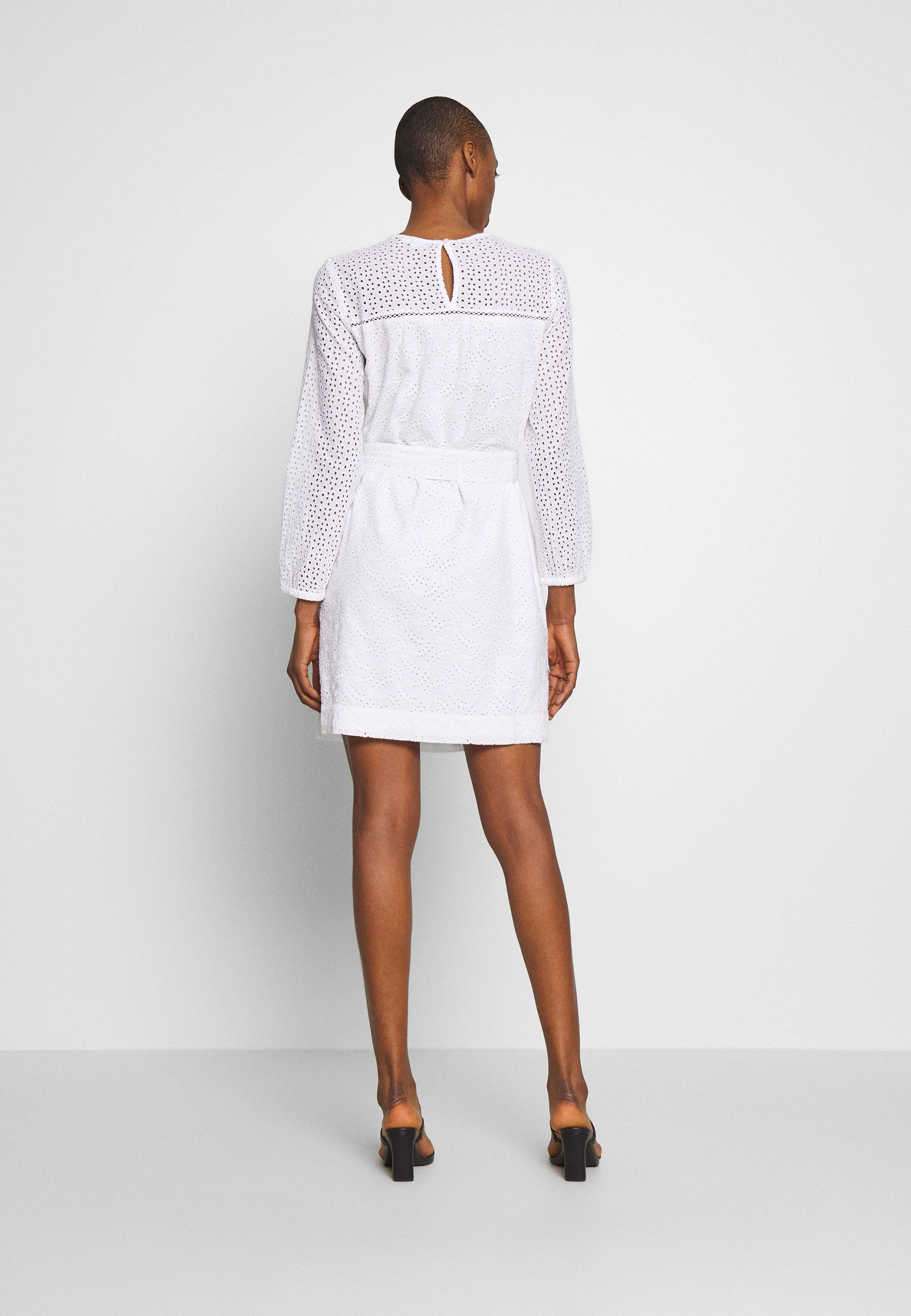 GAP EYELET DRESS - Robe d'été - optic white - Robes femme 6haCj
