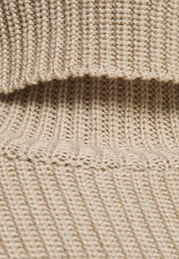 NA-KD - HEAVY DRESS - Gebreide jurk - light beige - 2