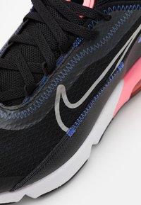Nike Sportswear - AIR MAX 2090 - Sneakers basse - black/metallic silver/sunset pulse - 5