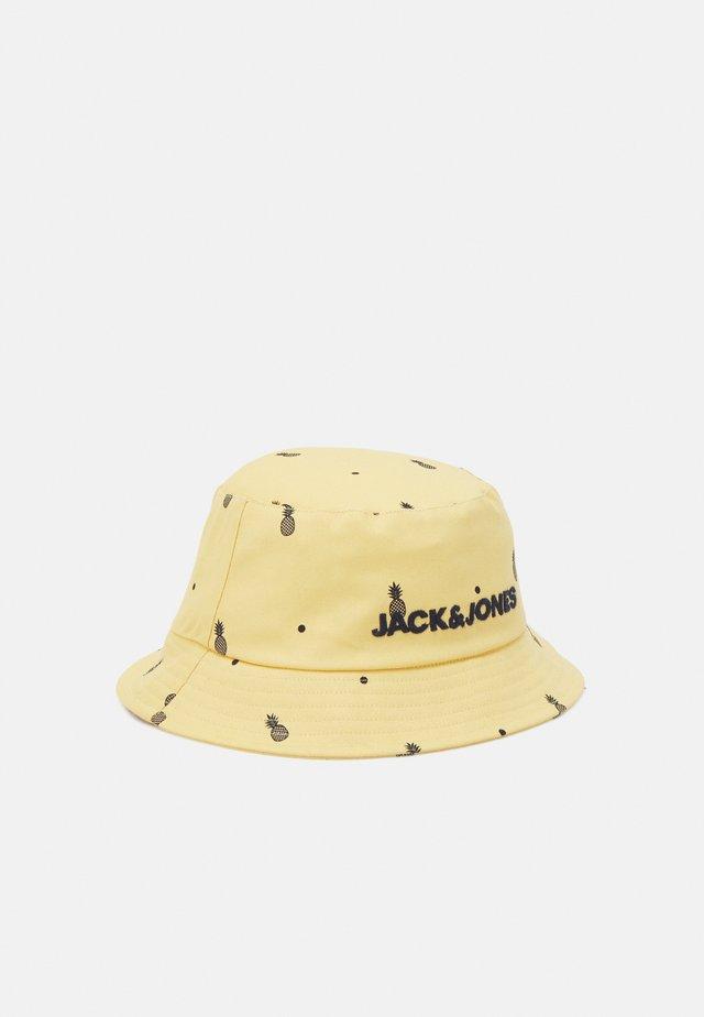 JACFLAMINGO BUCKET HAT - Klobouk - sahara sun