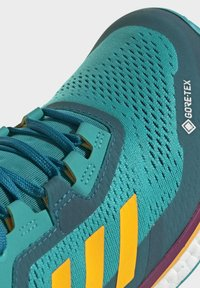 adidas Performance - TERREX AGRAVIC GORE-TEX BOOST TRAIL RUNNING - Løbesko trail - turquoise - 7