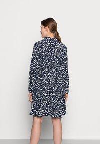 MAMALICIOUS - MLGLOMMA SHIRT DRESS - Shirt dress - navy blazer/snow white - 2